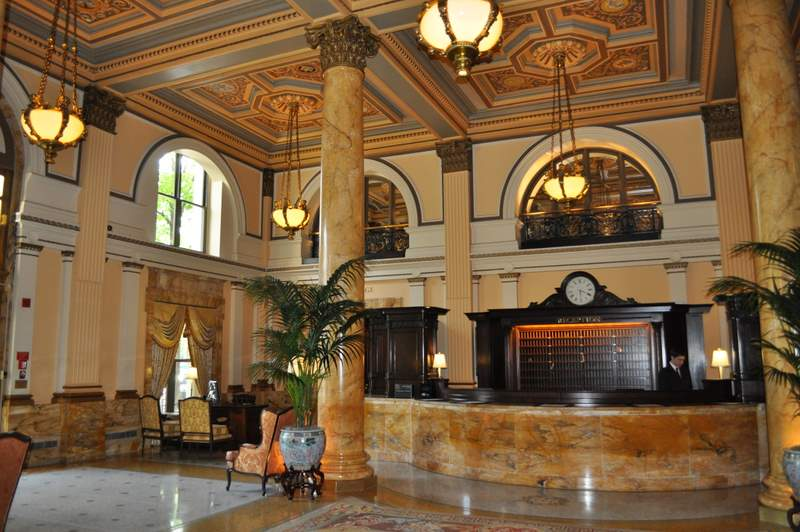 Willard InterContinental - Front Desk