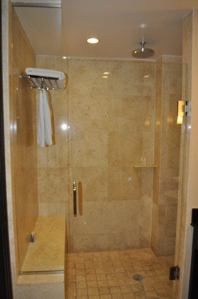 Z Ocean - Shower Area