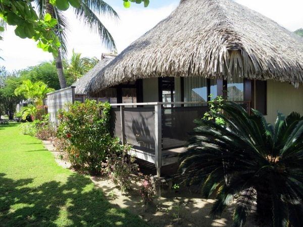 Hilton moorea rooms million mile secrets for Garden pool bungalow
