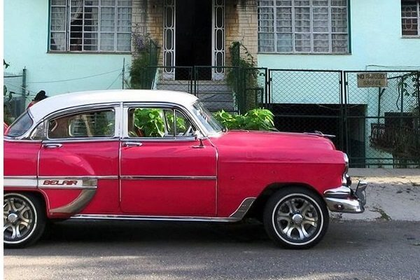 Why Cuba is a Must for a Cheap and Easy Vacation (NO miles & points required!)