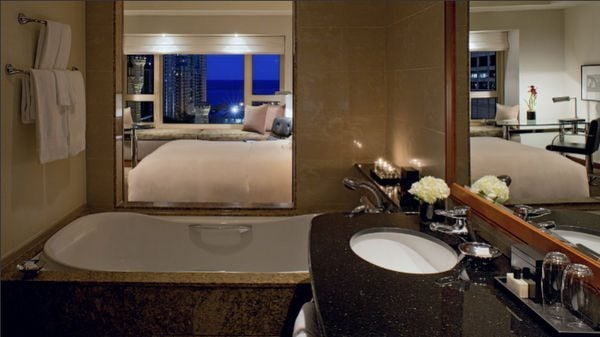 $150 AMEX Credit at Select Chicago Hotels Through December 17, 2014