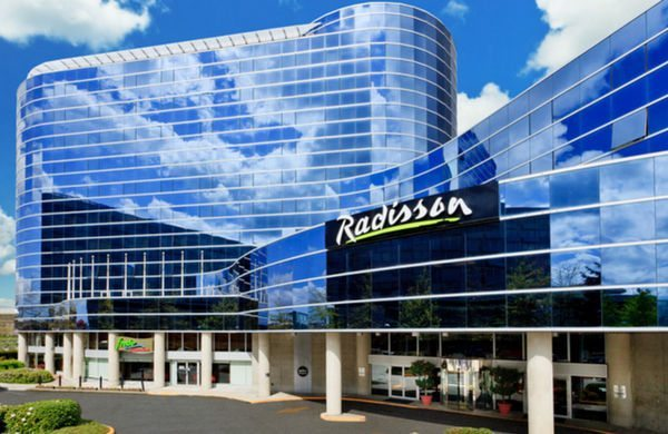 Hot!  Win Radisson Free Nights on Twitter Every Hour, Ends Tomorrow