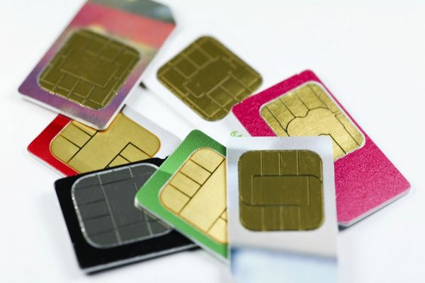 Use Your Phone Overseas Without Spending Big Money Using SIM Cards!
