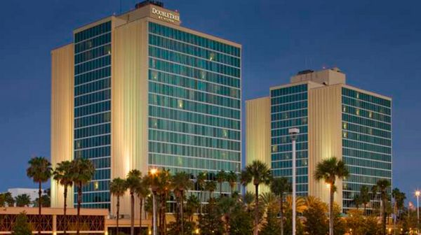 1 Week Left To Earn 85,000 Points With The AMEX Hilton HHonors Surpass Card