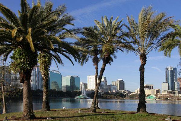 Best Ways to Fly to Orlando With Miles & Points (or Small Money)!