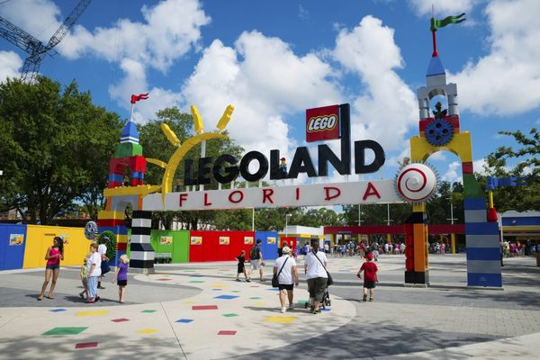 Best Ways To Fly To Orlando With Miles Points Or Small Money