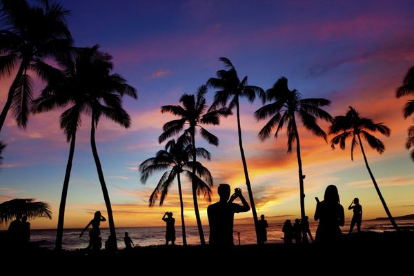 Hot! $188 Round-Trip Los Angeles & Miami, $523 Philadelphia & Hawaii