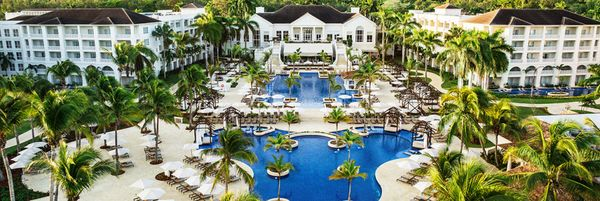 How To Stay At All Inclusive Hotels For Free