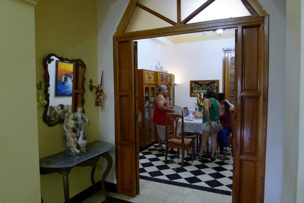 Viva Cuba! Part 7 – Where to Stay: Casa Particular Overview