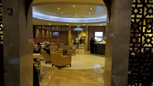 What Are Some Low Cost Ways To Earn Lounge Access