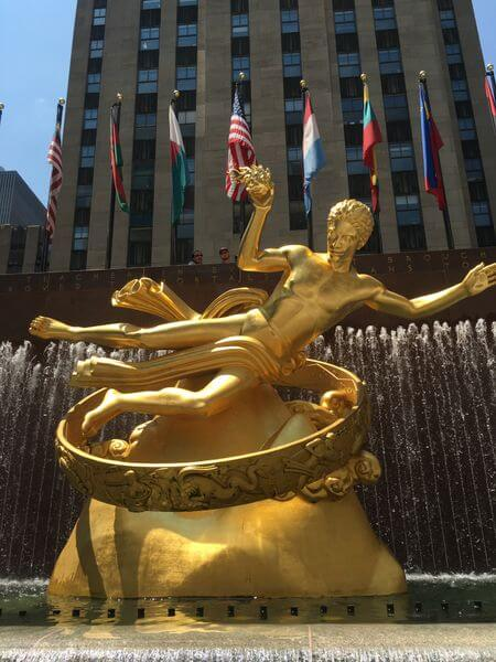 Visiting My Mom & Sister in NYC:  Part 1 – Airbnb & Rockefeller Center