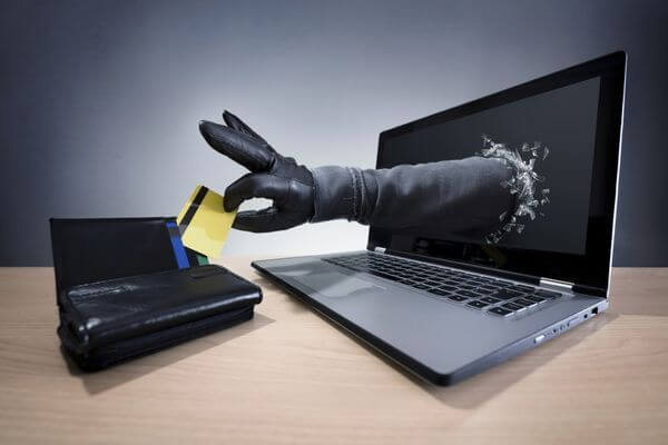 7 Reasons Why Credit Cards Are Safer Than Debit Cards