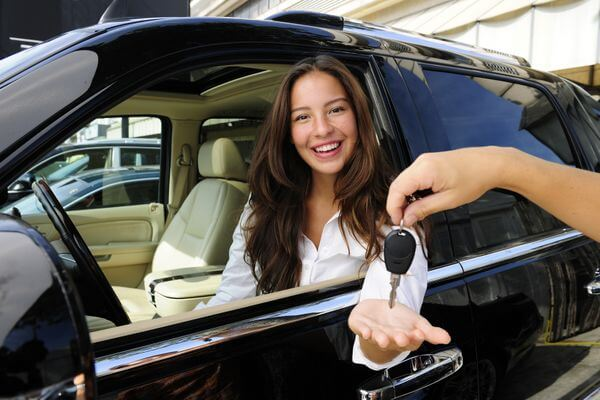 How to Buy a Car With a Credit Card to Earn Miles