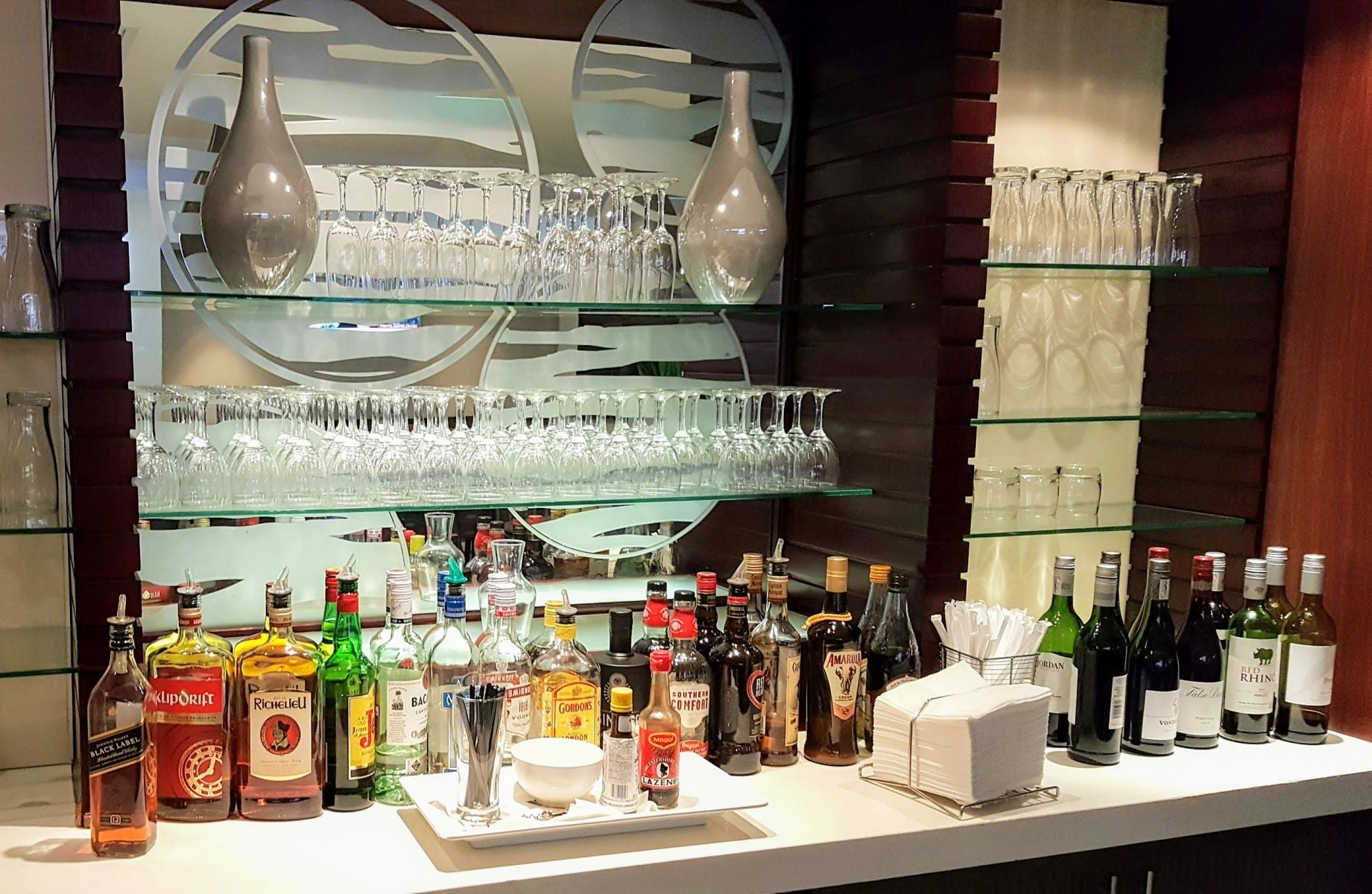 The Best Strategy for Folks Who Want to Inexpensively Try Out Airport Lounges