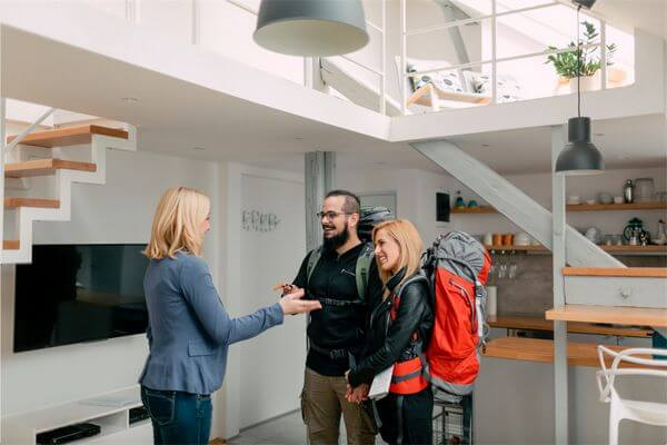 5 Best Small Business Credit Cards for Airbnb Hosts
