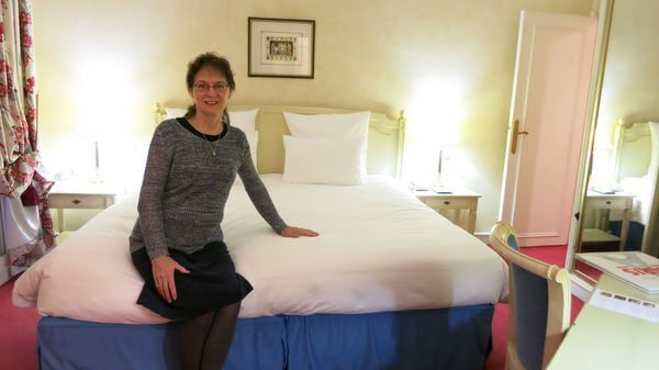 Making Moms Paris Dreams Come True Part 3 How We Saved Up To 90 At The Hyatt Hotel Du Louvre With Hyatt Points