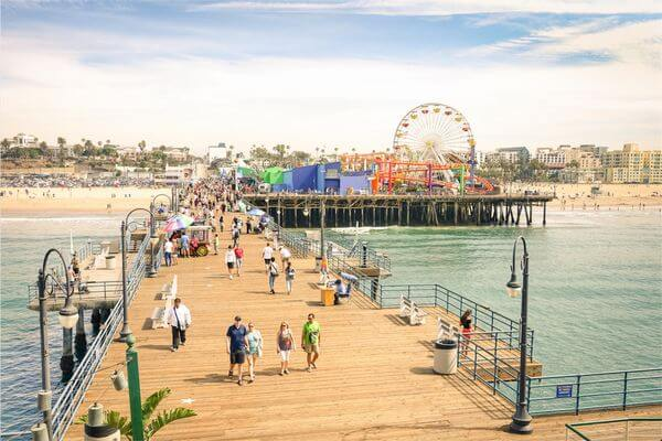 7 Fun US Cities to Explore With Free Breakfast & Wi-Fi Using Limited-Time Card Offer
