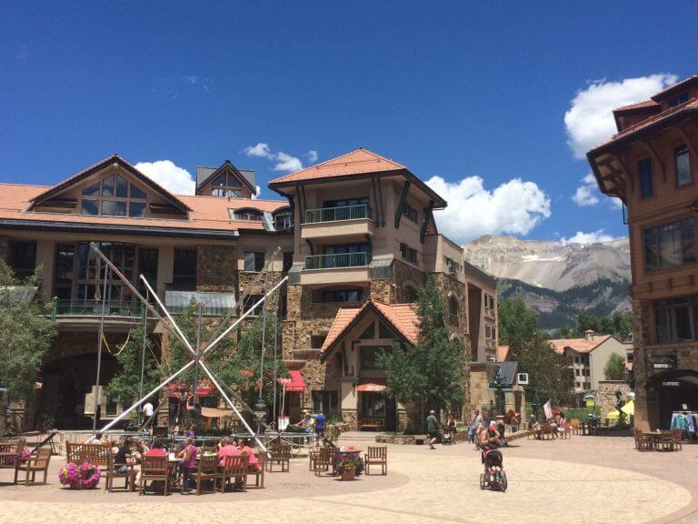 Why Everyone Should Pay A Visit To This Amazing American Mountain Destination