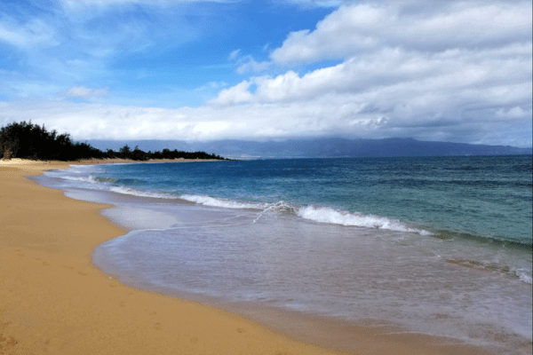 Fare Sale: Fly to Hawaii From These 12 US Cities Starting at ~$330 Round-Trip!