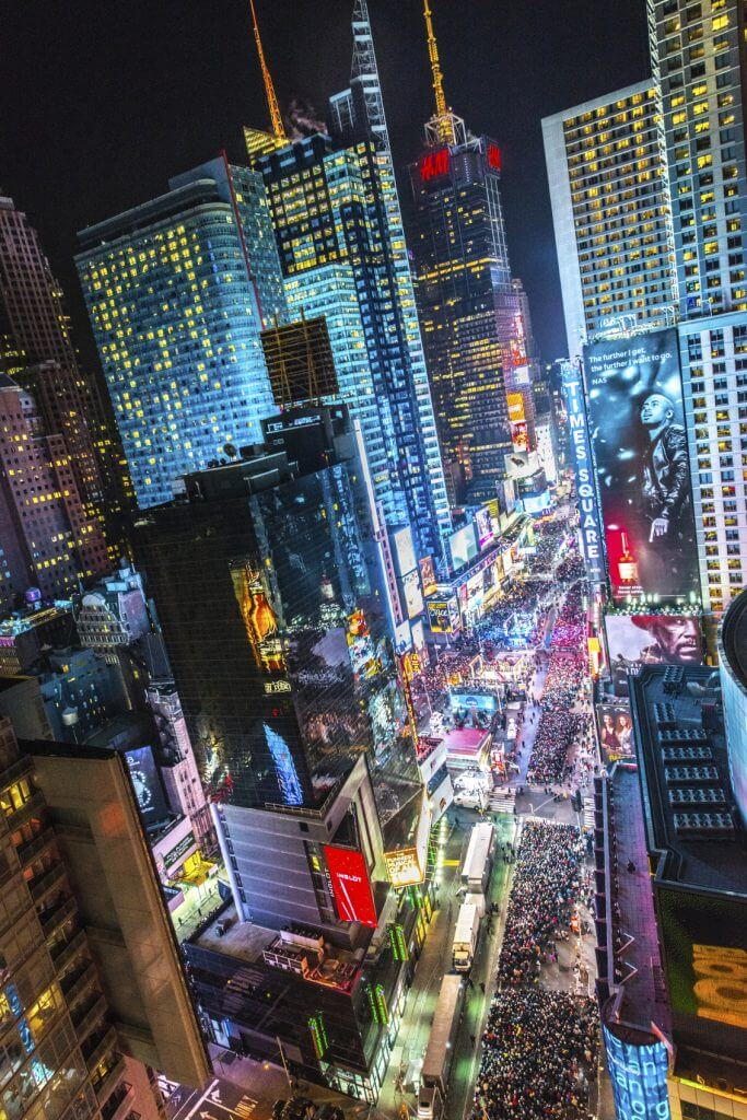 New Year's Eve Planning Starts Now! Here's How to Get a Free Hotel!