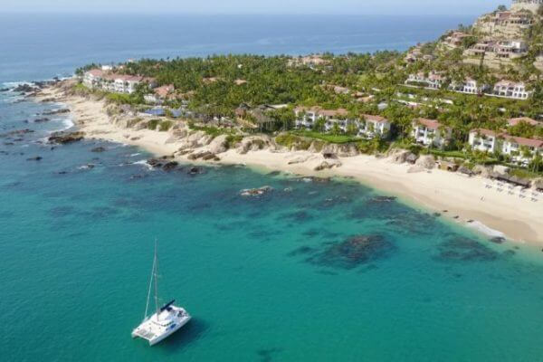 5 Reasons to Choose Cabo Instead of Hawaii as Your Travel Destination
