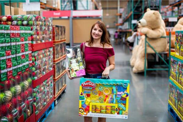 Savvy Shoppers Use These 5 Cards at Costco!