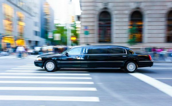 No Purchase Required: Get Free Limousine Rides With Your Visa Signature & Visa Infinite Cards!