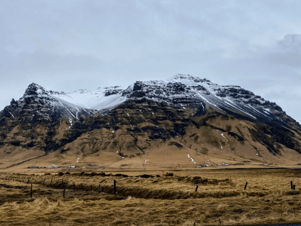 Help Wanted: The Best Way to Spend a Long Connection in Iceland