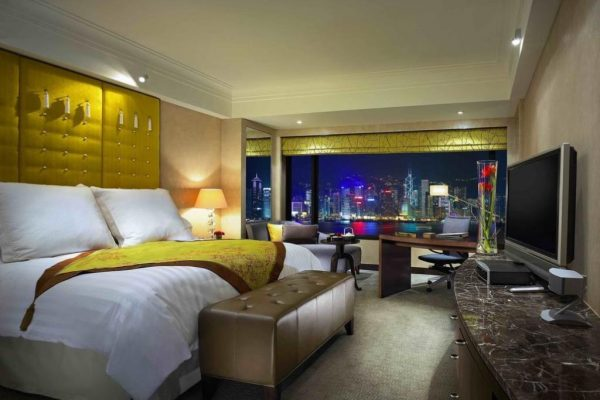 Small Victories Add Up — 5 Ways to Earn Extra Travel Rewards on Your Next Hotel Stay