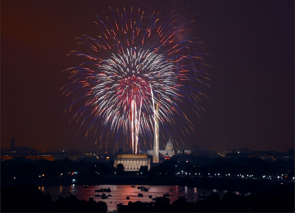 Fireworks over Washington Monument and Lincoln Memorial