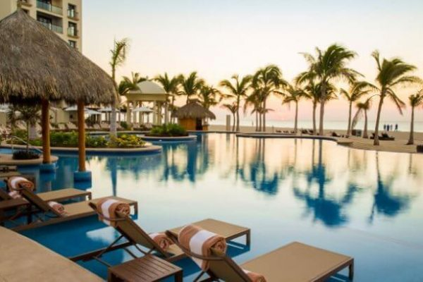 I'm Planning to Transfer My Chase Ultimate Rewards Points to Hyatt for a Winter Escape — Tell Which Hyatt Ziva in Mexico Is Your Favorite!
