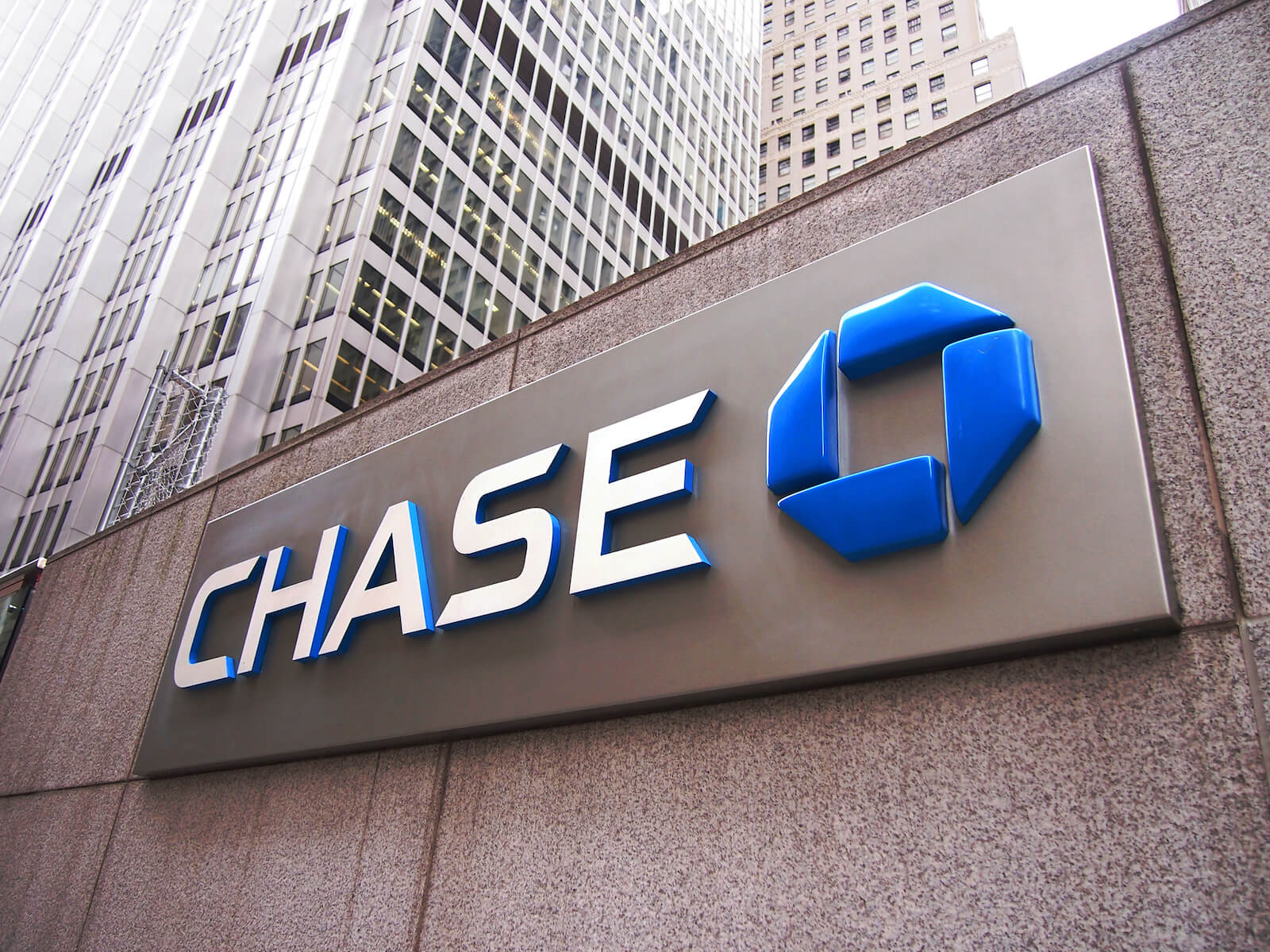 How to combine Chase Ultimate Rewards points
