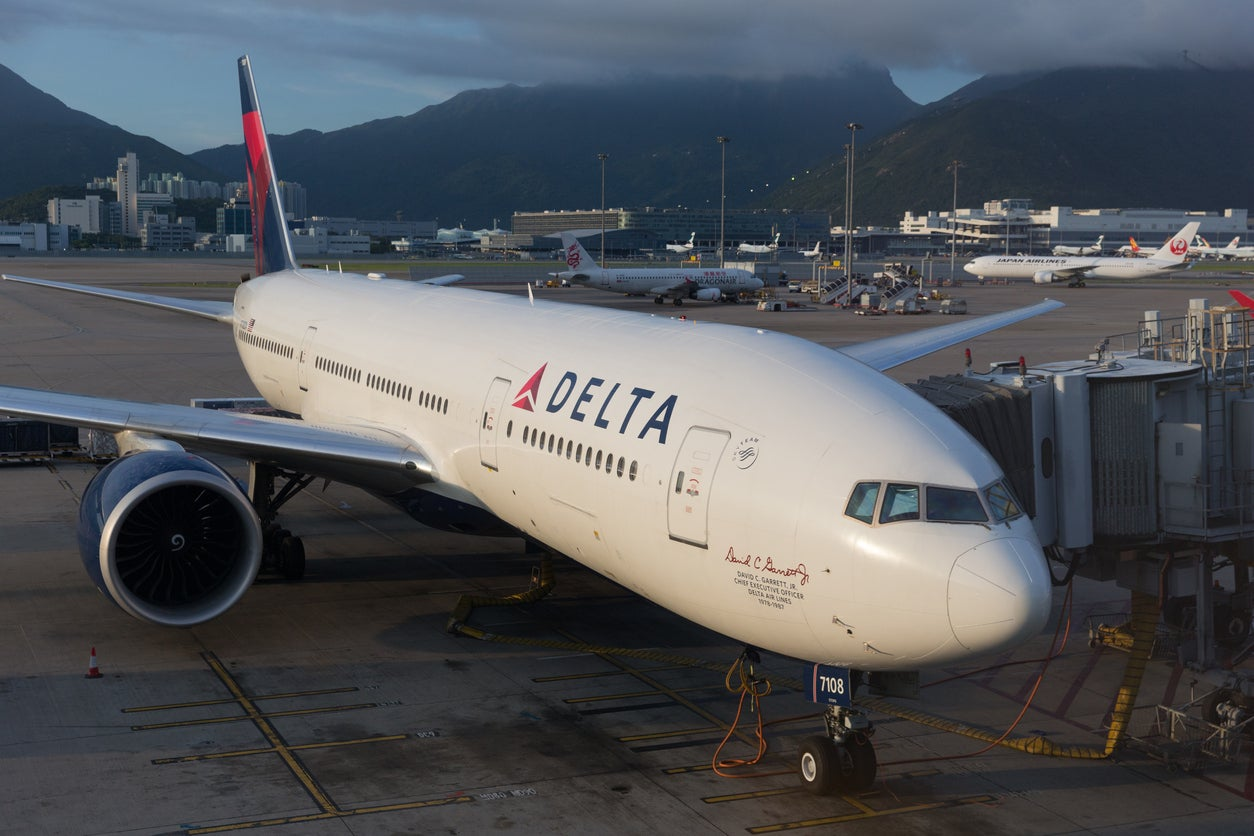 Delta Branded Credit Cards Are Not The Best For Flying Delta – Here's Why!