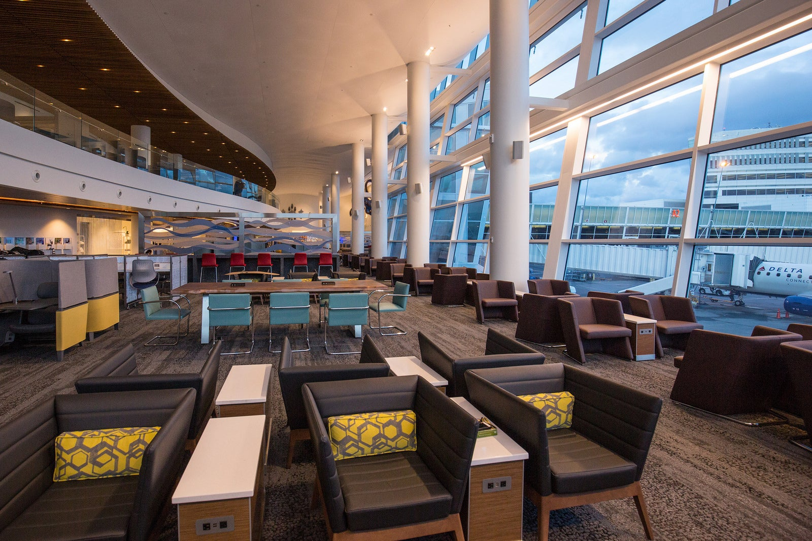 Again!?!? Delta Making Their Lounges Even Harder to Access – Here's How to Slash Your Costs While Others Pay More