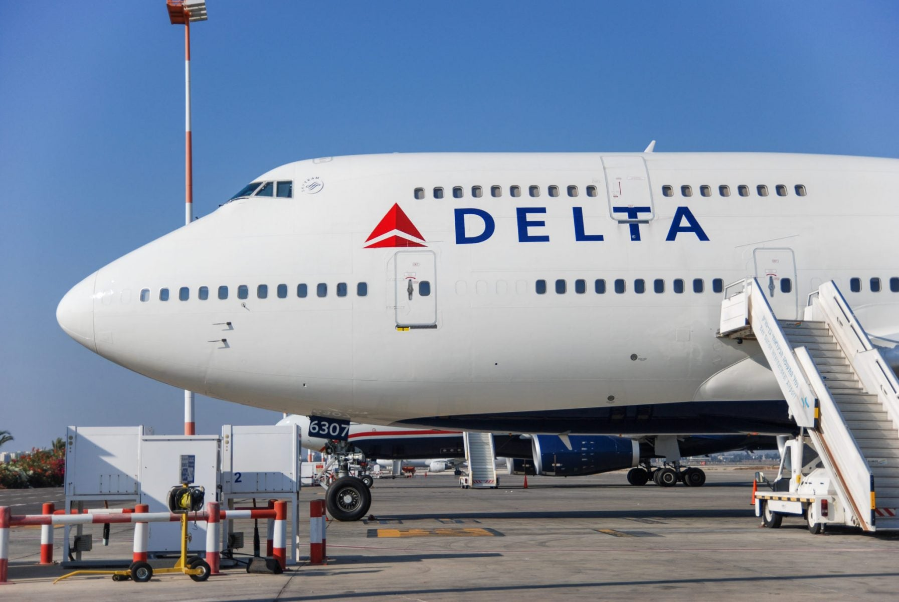 AMEX Delta Reserve for Business Review: A Heavy Hitter for Frequent Business Delta Travelers