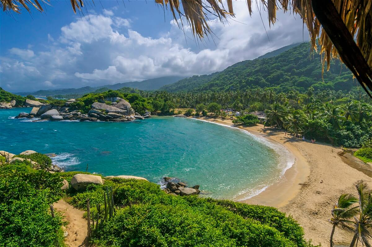 Top 5 Big Travel Trips With This 60,000 American Airlines Miles Card Bonus