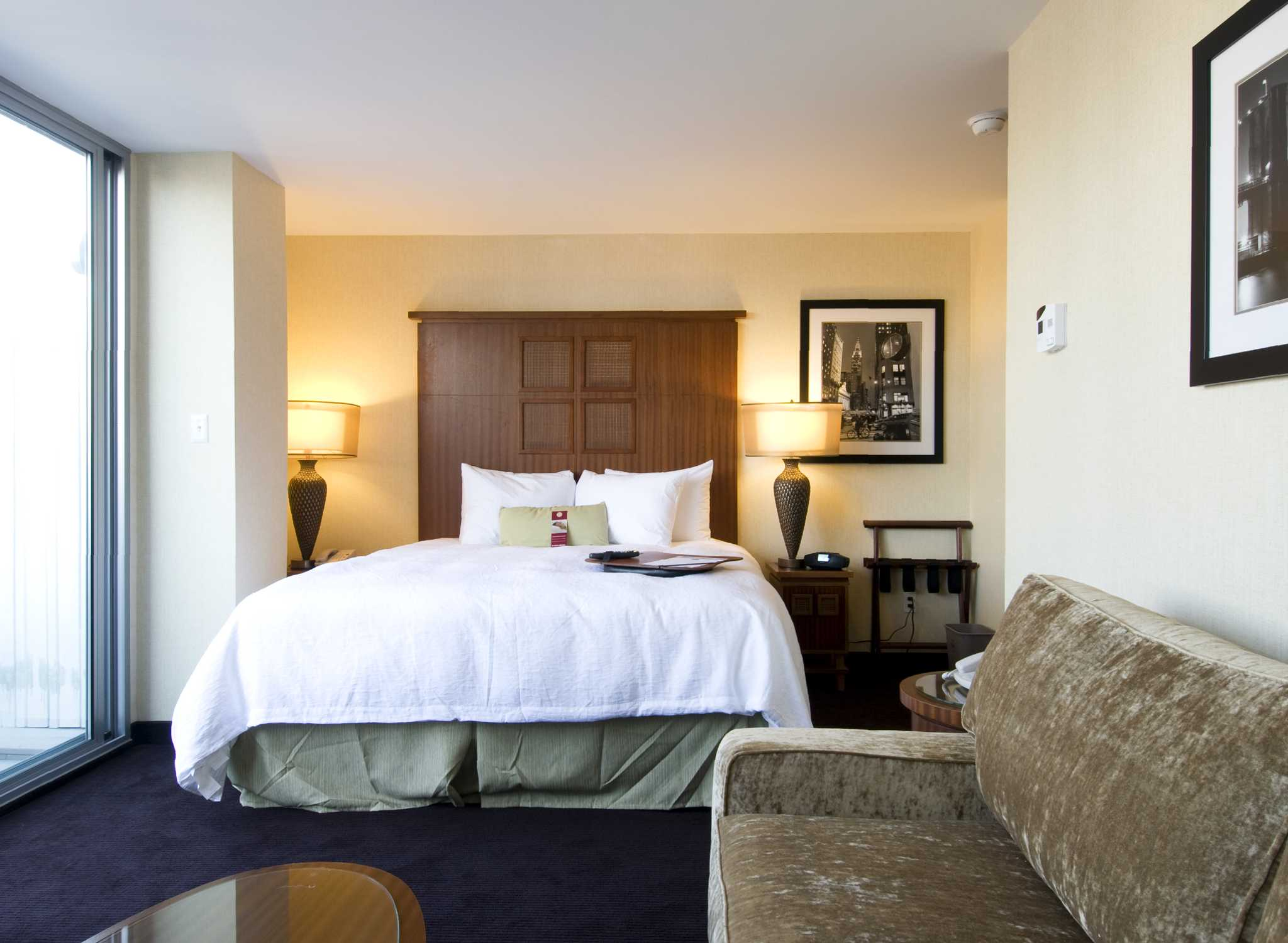 The Rooms at Hampton Inn Manhattan Come Rated Very Highly by Guests Because of Their Use of Space and Large Ceilings