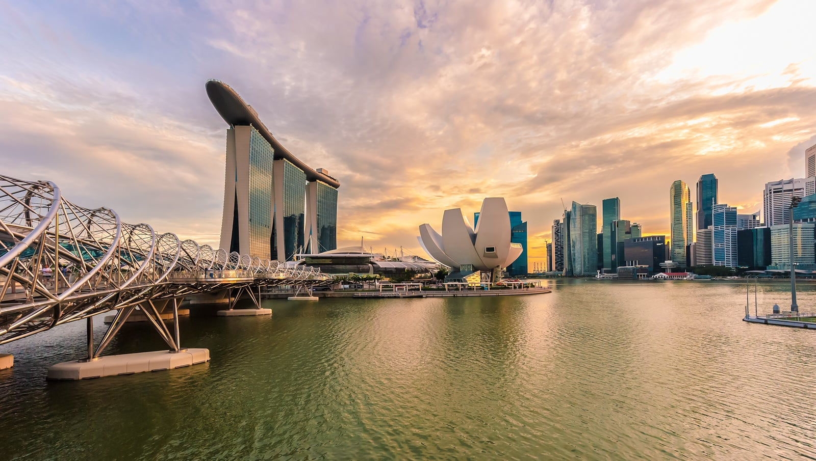 Singapore Airlines 51%-off sale: Save big on biz awards to Asia, economy to Europe from 11,025 miles