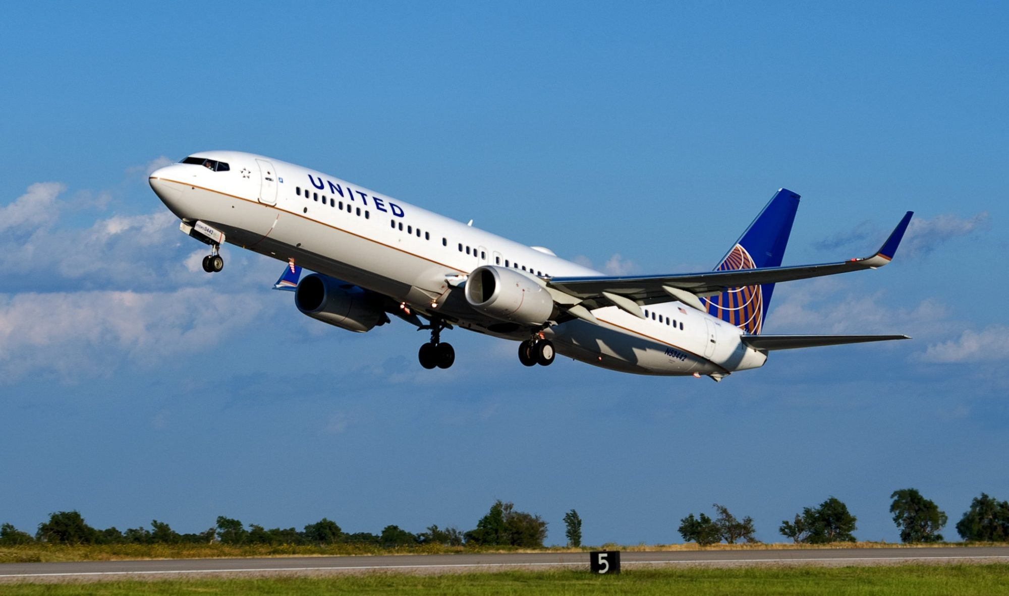 United Airlines status review – New changes impact earning elite status