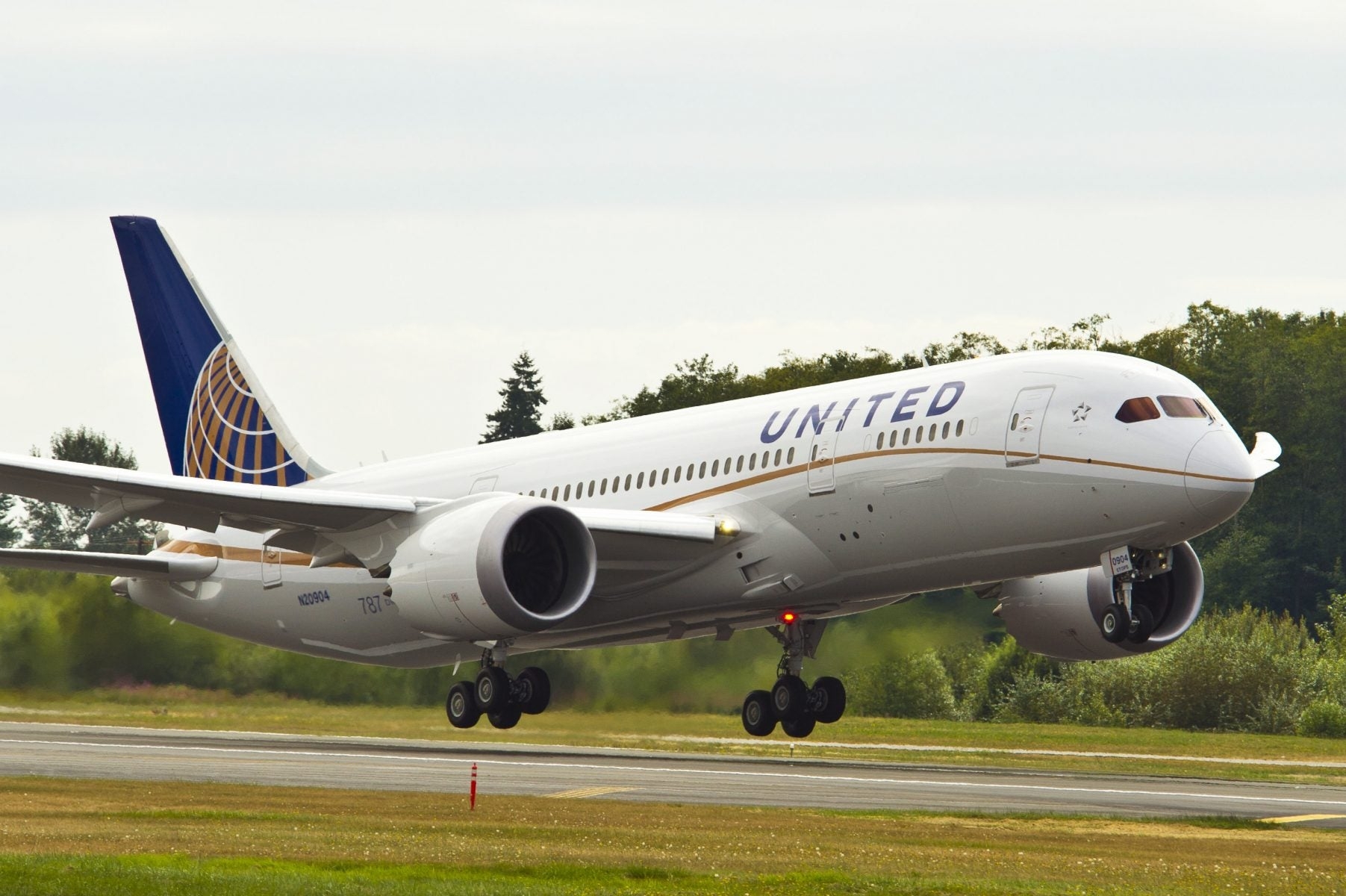 United Airlines Credit Card Bound to Be Impacted By The Airline's Customer Service Failures — Like Allegedly Forcing Passenger to Sit In Seat Soaked In Puke