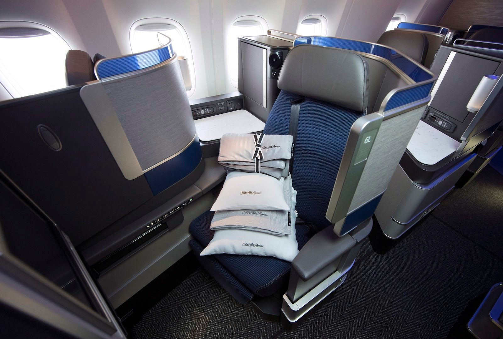 United Business card adds $100 United credit, anniversary bonus and more + 100,000-mile Bonus