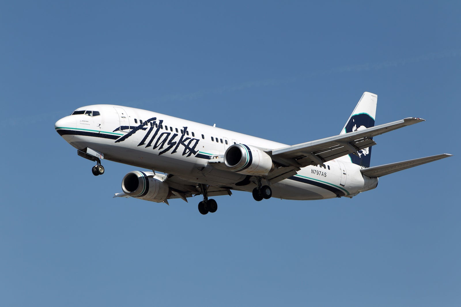 Save on Alaska Airlines, hotel stays, and fancy rental cars with the latest Amex Offers
