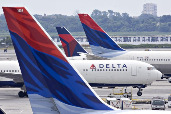 New Cardmembers Every 30 Seconds! 6 Reasons Delta Credit Cards Are So Popular