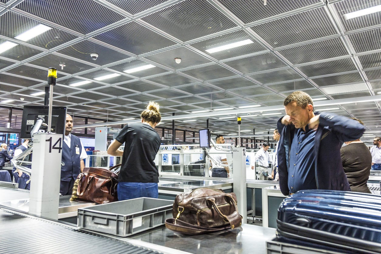 TSA PreCheck or Global Entry?  Here's How to Decide Which Is Right for You