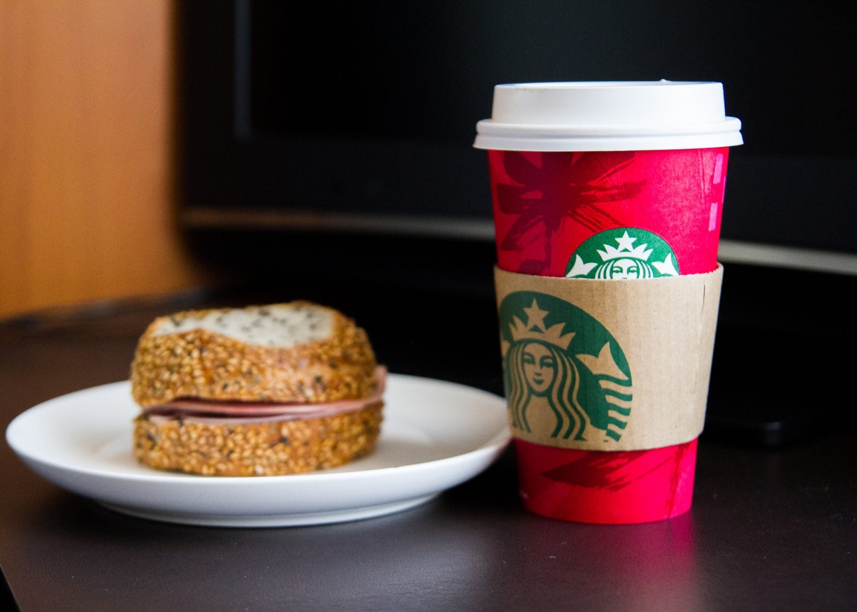 Free Coffee! Use the Chase App to Gift a $5 Starbucks Gift Card, Chase Will Send YOU a $5 Starbucks Gift Card