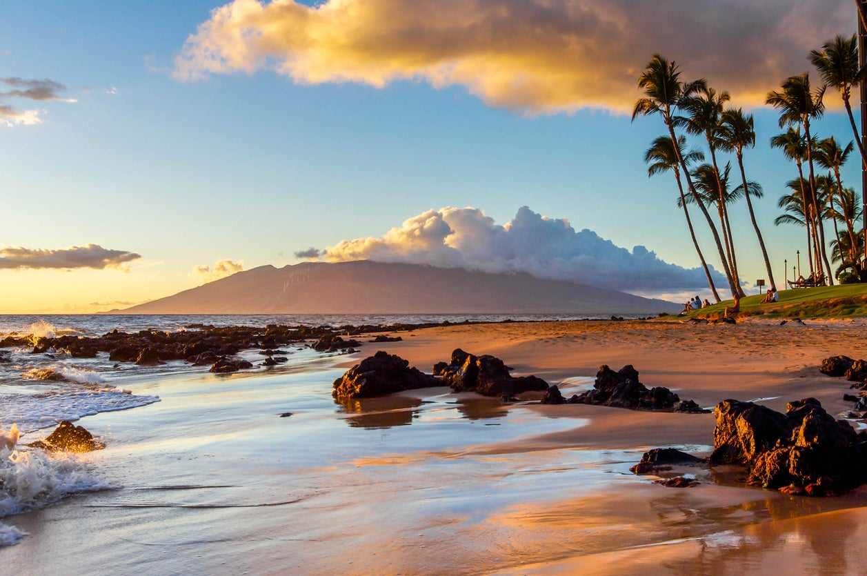 Hawaii Sale!  Round-Trip Flights From Many US Cities From $278 or 18,534 Points (Including Chase Ultimate Rewards Points)