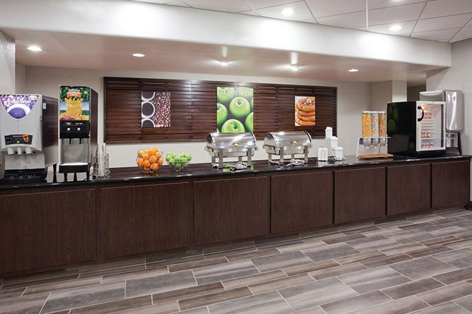 La Quinta Has Built a Breakfast Focused Around Fast Options As They Rebrand Towards Attracting Busy Business Travelers