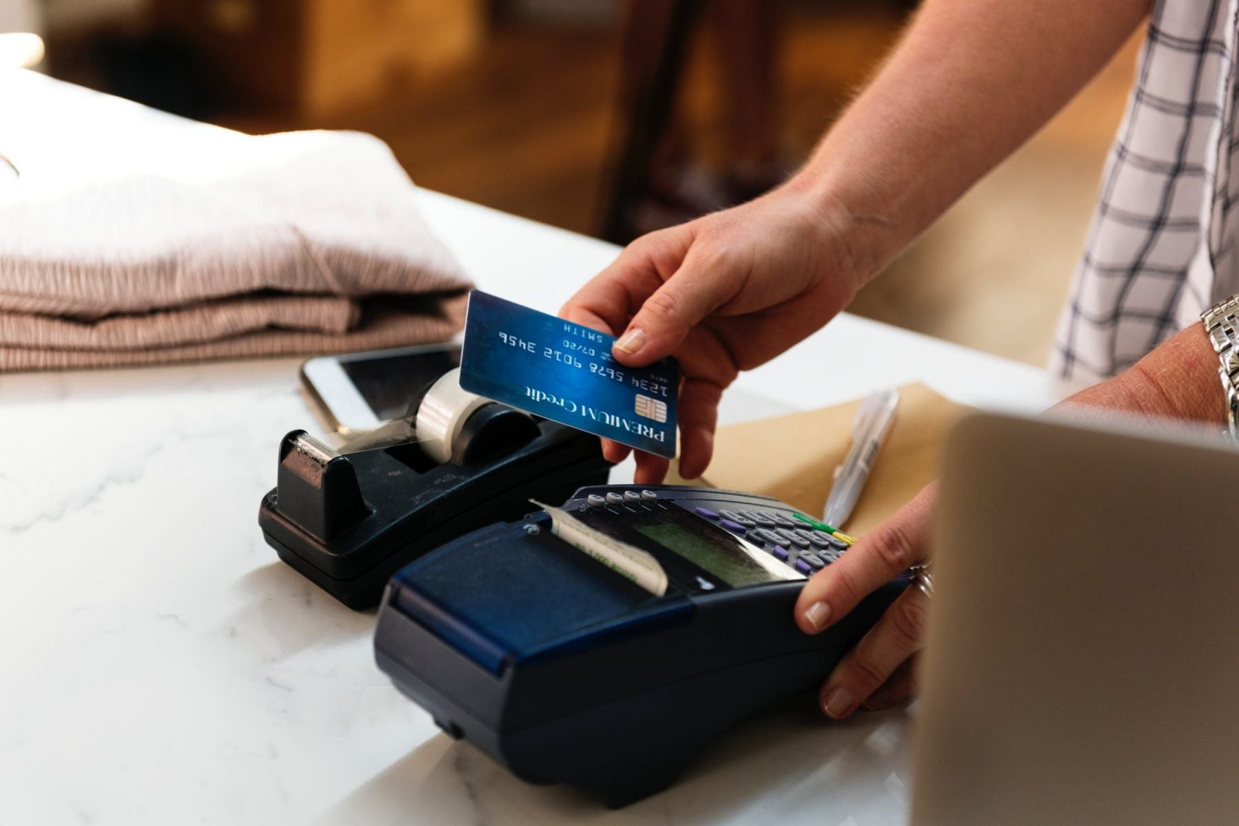 4 Easy Tips to Stay Organized With Credit Card Miles and Points