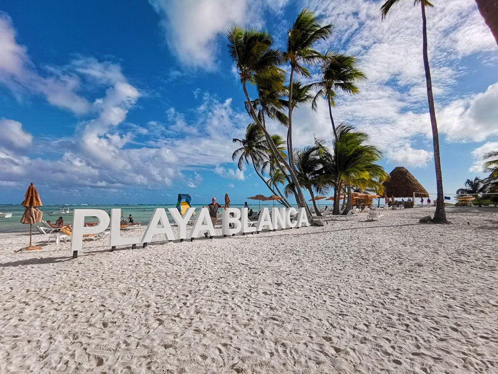 Best Travel Credit Card – February 2019: Top 10 Offers for Flights to the Caribbean and Europe, Couples Trips, and More!
