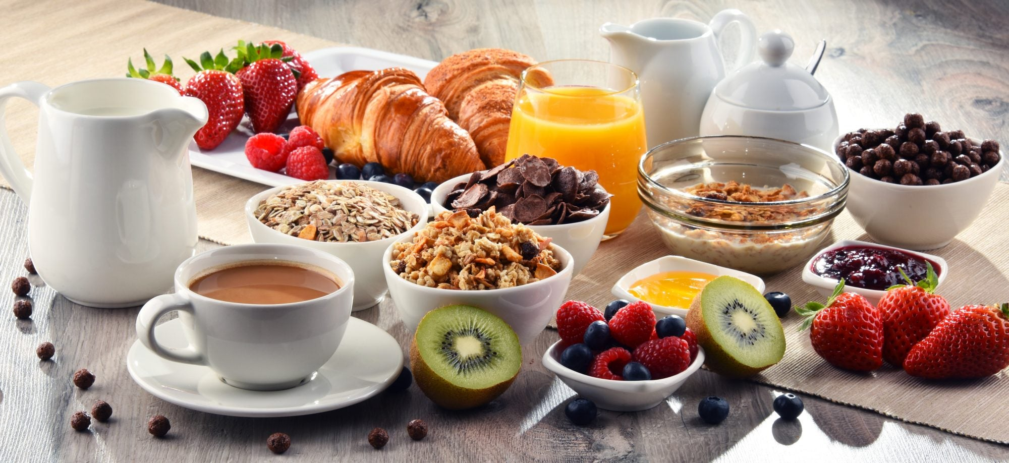 Hotels With Kitchens Plus Free Breakfast! We Compare Hilton Vs Marriott Vs IHG vs Hyatt